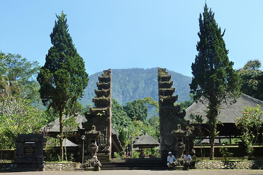 Batu-Karu-temple-gate